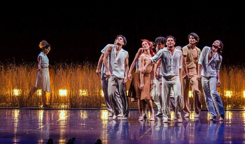 Cuban Acosta Danza ballet company begins tour of Asia