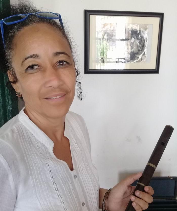 Alina Echenique Llerena, hija del flautista Timoteo Surano Echenique