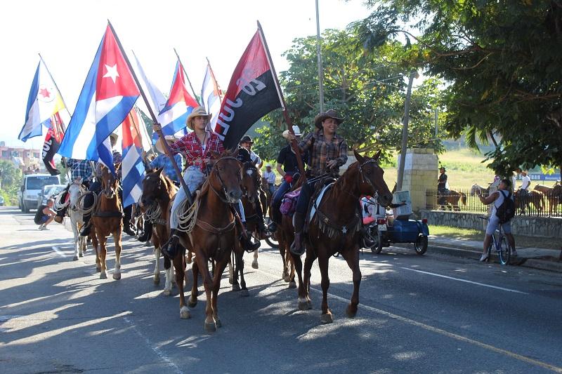 Cabalgata por el triunfo de la Revolución