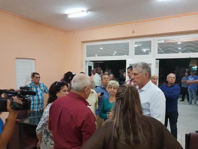 Recorre Díaz-Canel centros recreativos en Camagüey