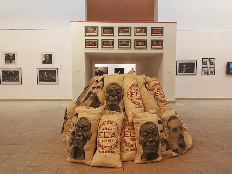 """En la Bienal de La Habana, un """"periplo azucarero"""""""