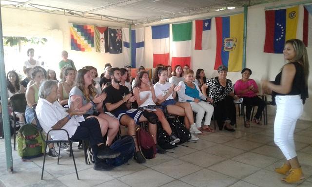 Jóvenes italianos intercambian en centros educacionales tuneros