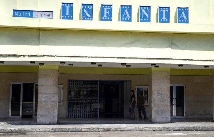 Cine Club Tocando La luz en julio
