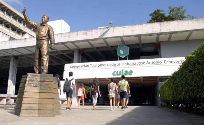Universidades cubanas no interrumpen la docencia