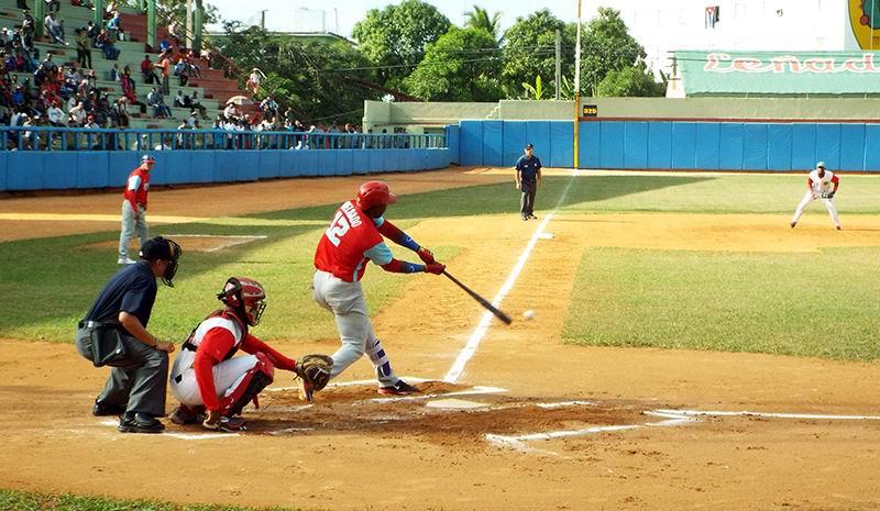 Play-off Semifinal: Las Tunas gana el primero en catorce entradas