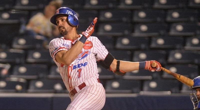 Cubano Yunior Paumier con protagonismo en béisbol de Nicaragua