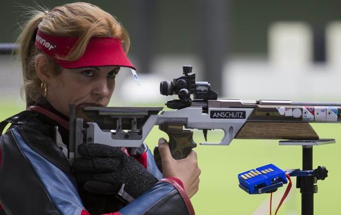 Eglys de la Cruz se llevó una peleada medalla de plata en la especialidad de carabina tres posiciones a 50 metros. Foto: Irene Pérez