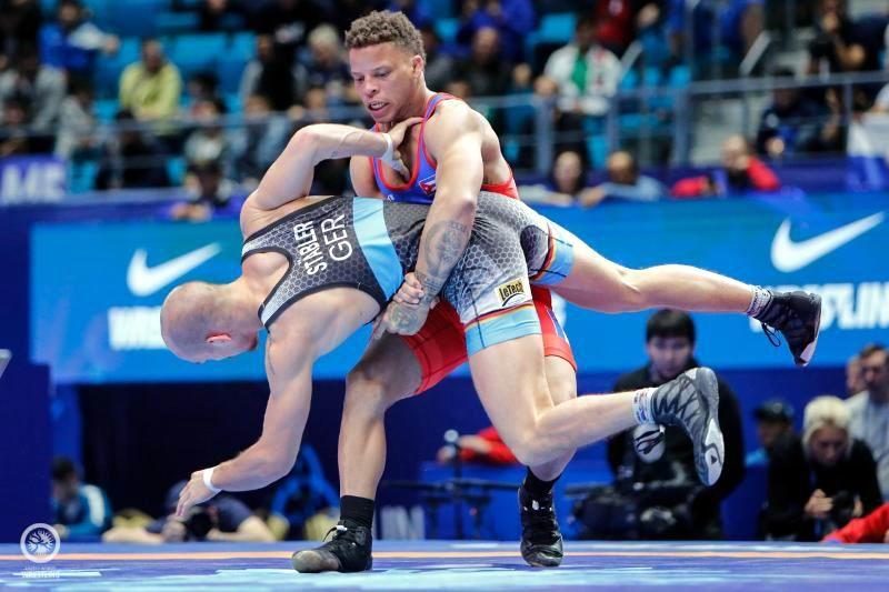 Ismael Borrero derrotó 3x1 al ruso Artem Surkoy y conquistó su segundo cetro dorado en Campeonatos Mundiales de Lucha.