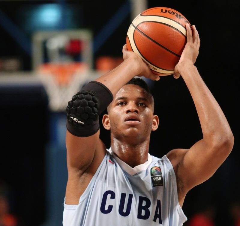 Todos los cubanos a la postemporada argentina de baloncesto