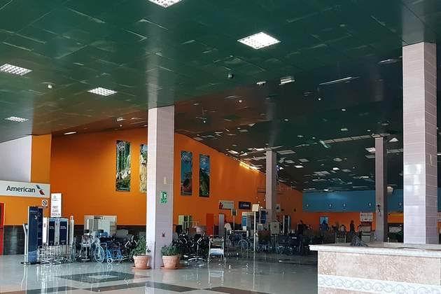 Reinicia operaciones Aeropuerto Abel Santa María de Santa Clara. Foto: Isabel Díaz