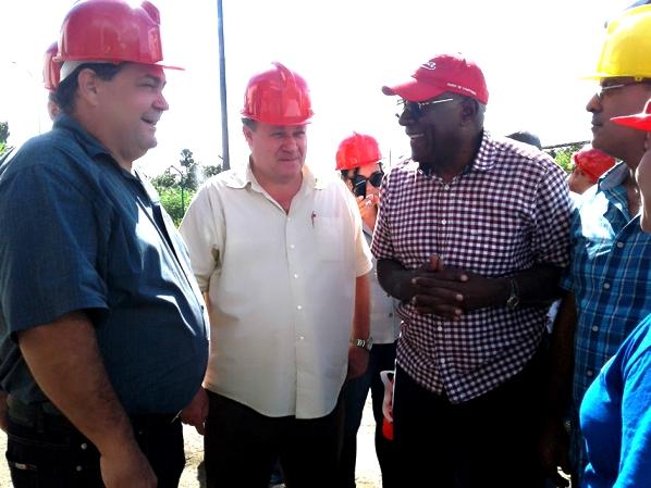 Constata Salvador Valdés preparativos de la zafra azucarera en Cienfuegos