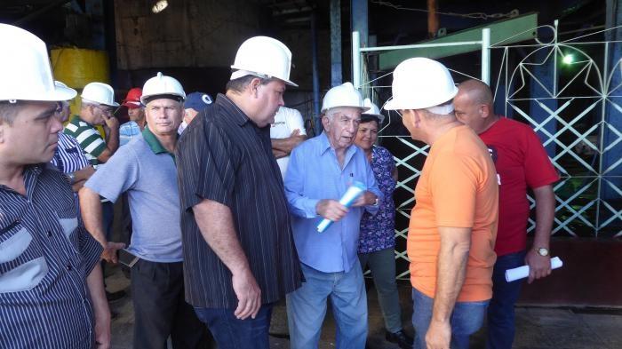 Constató Machado Ventura avances de la zafra azucarera en Cienfuegos y Villa Clara