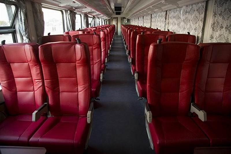 El servicio de transportación férrea de pasajeros dispondrá de locomotoras de alto porte y coches de primera. Foto: Irene Pérez