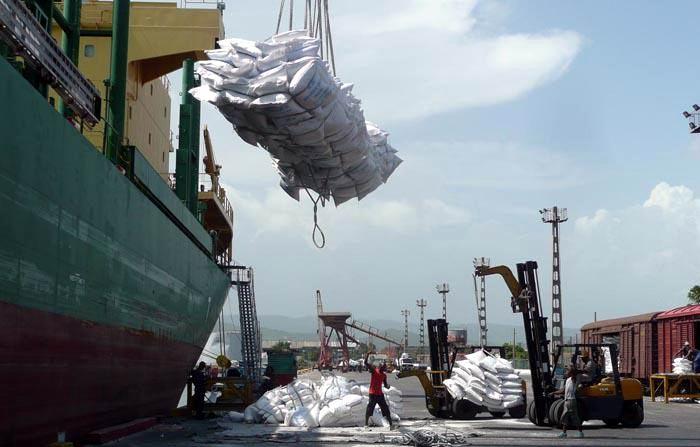 Puertos cubanos mantienen total operatividad ante actual situación energética