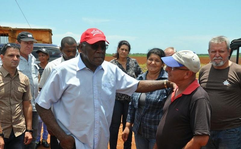 Vicepresidente cubano al tanto de los preparativos de zafra en Artemisa (+VIDEO)