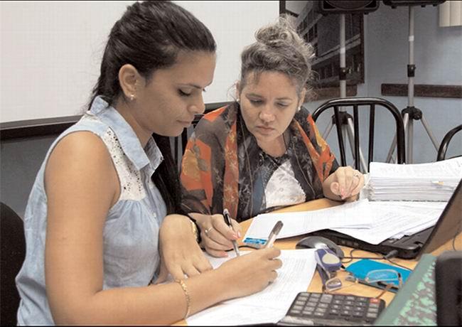 Miles de jóvenes cubanos se incorporan a puestos laborales