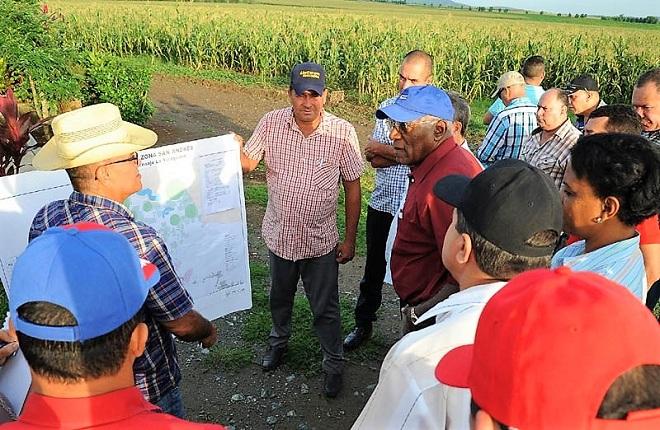 Valdés Mesa recorre Polos Agrícolas en Holguín (+Audio y fotos)