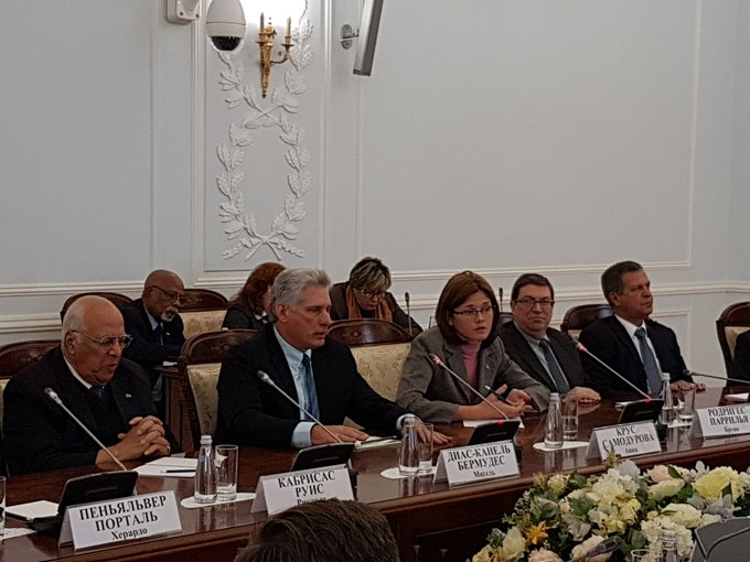 Diaz-Canel meets with the Governor of St. Petersburg