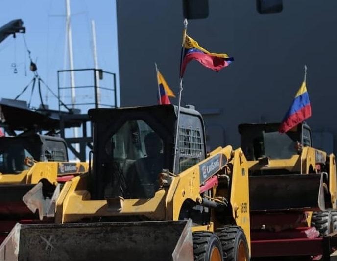Venezuela envía maquinaria y 100 toneladas de material de construcción a Cuba
