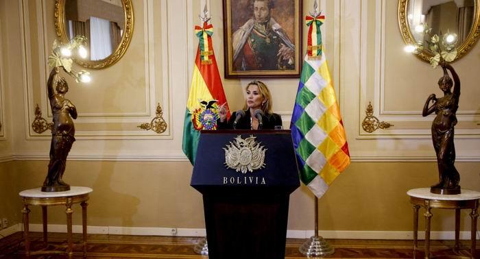 Firma el Gobierno de facto de Bolivia ley para celebrar las elecciones