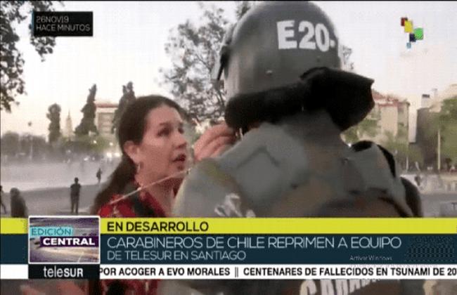 Denuncia Telesur agresión de los Carabineros a su corresponsal en Chile