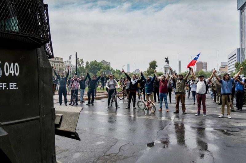 Llama el Gobierno de Chile al diálogo ante las protestas populares