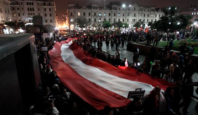 Continúa la crisis política en Perú