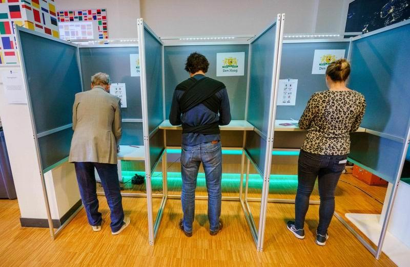 Comenzaron las elecciones del Parlamento europeo