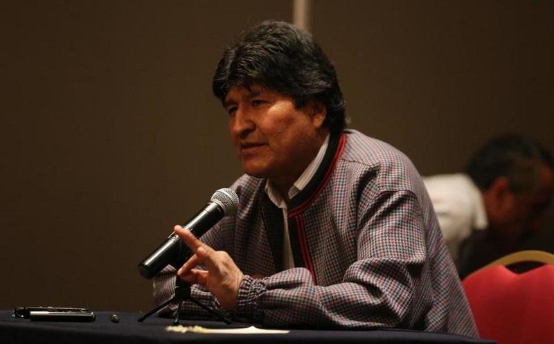 Denuncia Evo Morales persecución política del gobierno de facto, tras la orden de su detención