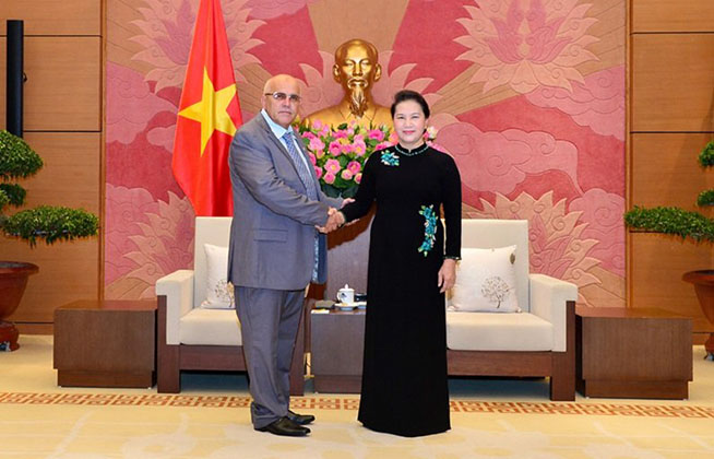 Vietnamese parliamentary leader receives Cuban mass organization leader