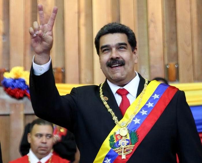 Se reunió Nicolás Maduro con movimientos sociales internacionales