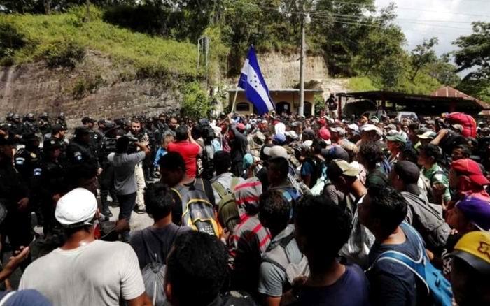 Parte una nueva caravana de emigrantes hondureños hacia Estados Unidos