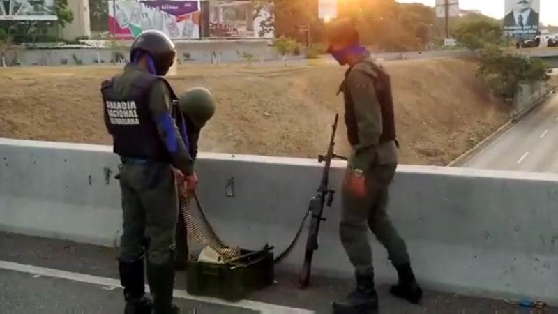 Militares que supuestamente apoyan a Guaidó