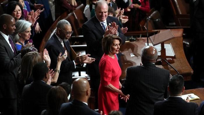 Nancy Pelosi asume el control de la Cámara de Representantes en EEUU