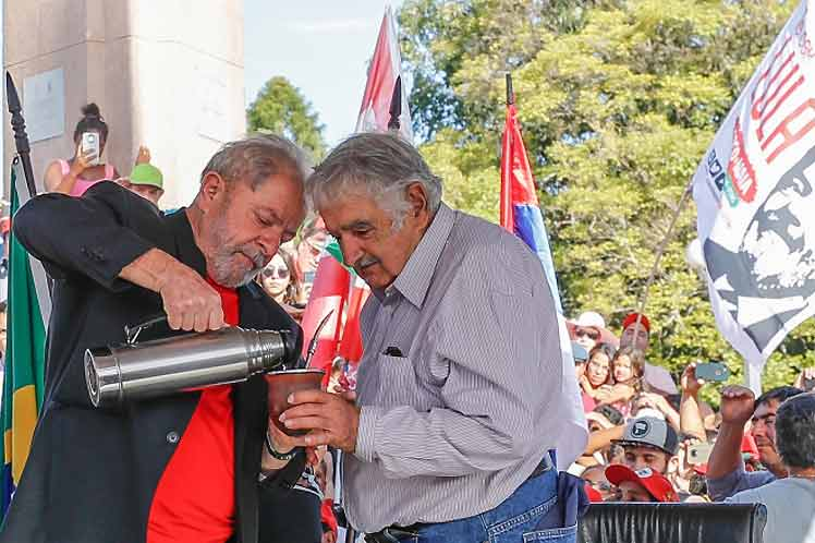 All I Want Is Lula to Be Well, Mujica Says