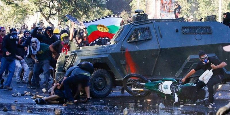 Repulsa en Chile por atropello a joven manifestante por carabineros