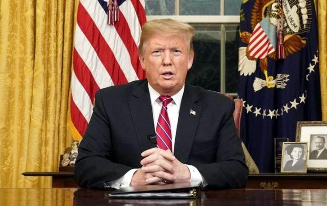 Trump renueva su amenaza de declarar