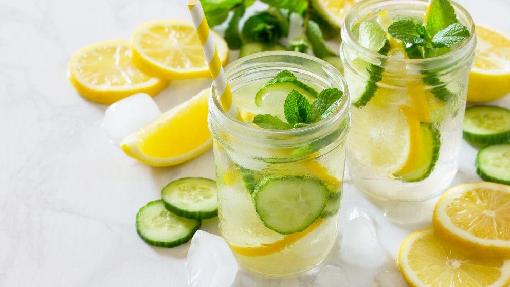 Refresque con pepino y limón