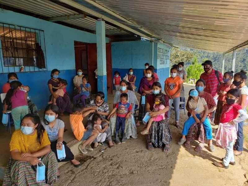 En la tierra del Quetzal la historia se repite. Médicos cubanos en solidaridad ante damnificados por la tormenta Eta