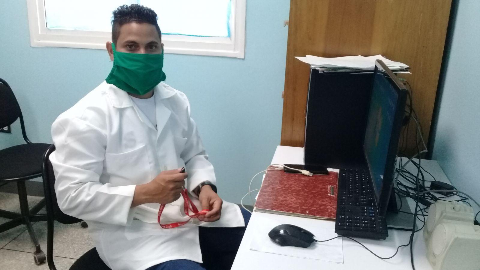 🎧 Médicos cubanos acompañan a sus pacientes