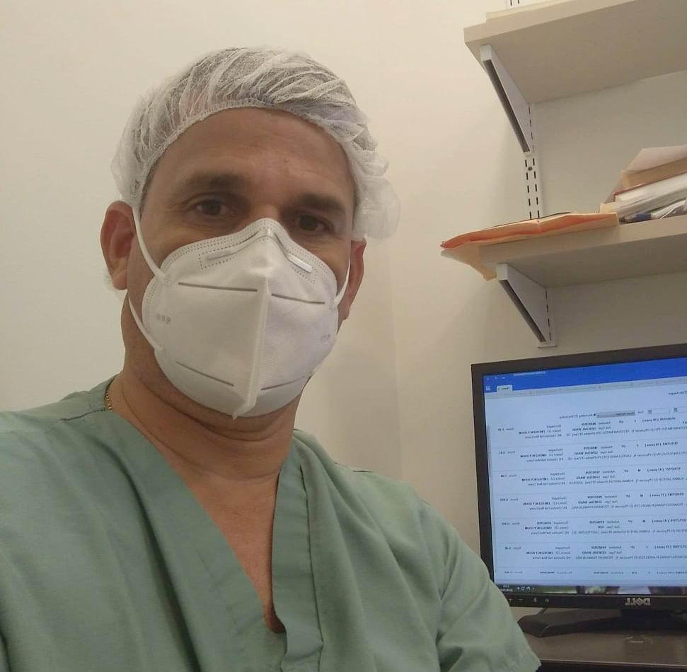 El doctor Alfredo Morán Fernández, especialista en cirugía general y coordinador de la brigada