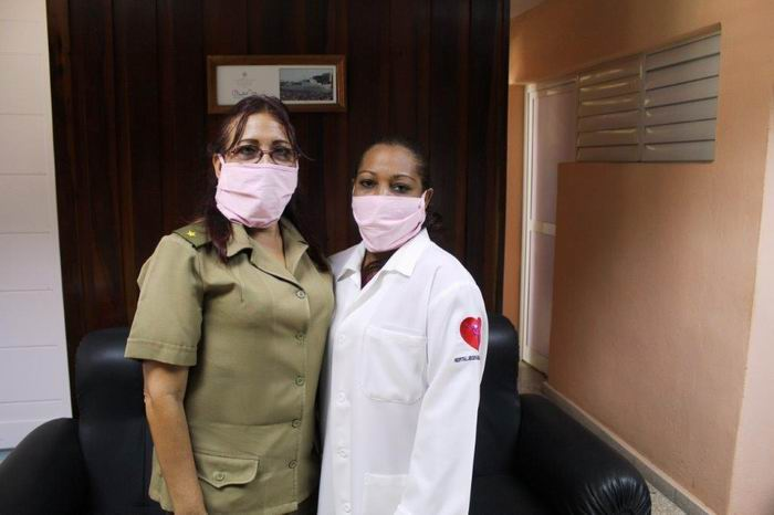 Mayor Marlenes Font y Yanelis Reinosa García, Licenciada en Enfermería