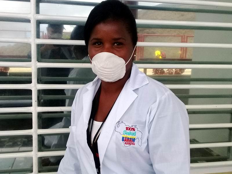La doctora Maydolis amanece en las calles del estado venezolano de Miranda contra el coronavirus