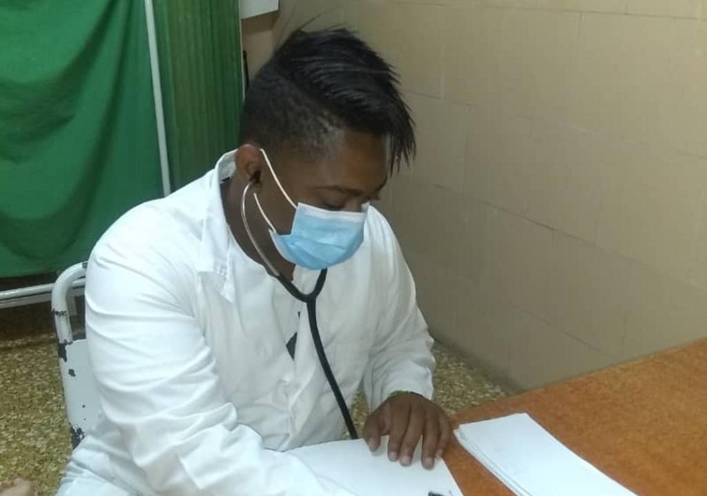 """Dr. Gilberto Castaño: """"Mi objetivo y prioridad es salvar vidas"""" (+Audio)"""