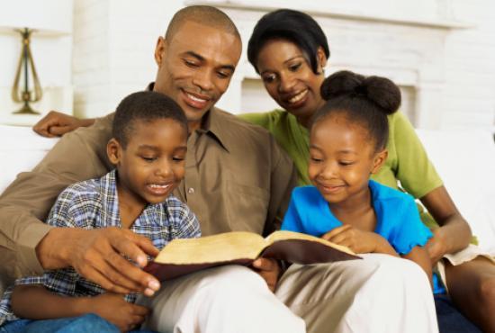 El hogar propicia los buenos modales