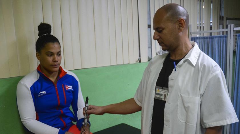 Felicidades, fisioterapeutas en su día. Foto: Ariel Ley