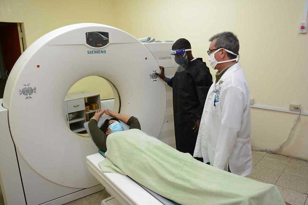 Hospital oncológico de Camagüey superó este año las 55 mil consultas externas