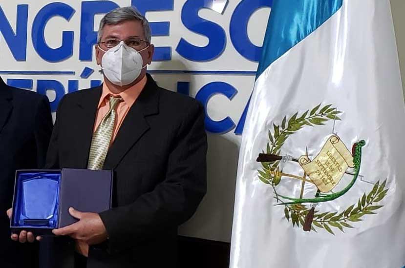 Reconocen como Héroes a médicos cubanos en Guatemala (+Audio)
