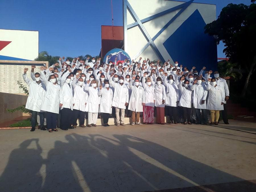 Por primera vez viajarán médicos cubanos a Azerbaiyán para combatir la COVID-19 (+Audio)