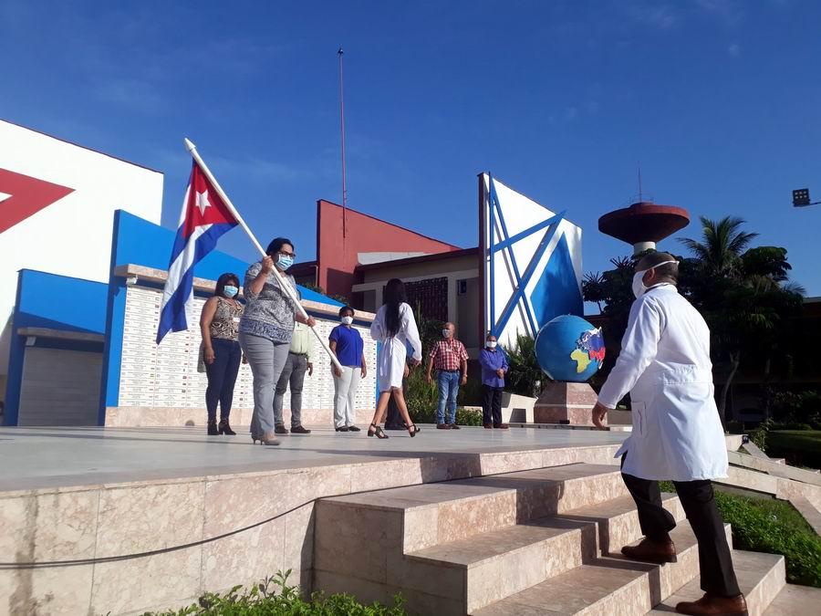Por primera vez viajarán médicos cubanos a Azerbaiyán para combatir la COVID-19